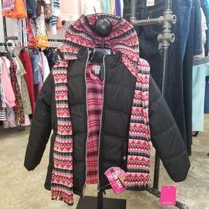 Size 10/12 Girls Puffer Coat. Fleece Lining.